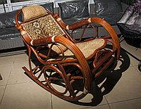 Плетеное кресло-качалка из ротанга