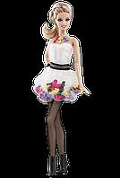 Barbie Коллекционная кукла Барби, Любовь к обуви