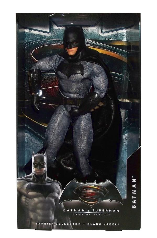 """Barbie """"Бэтмен против Супермена"""" Коллекционная кукла Бэтмен"""