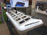 Дисплей для аксессуаров компании Samsung