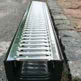 Лоток пластиковый с оцинкованной решеткой 145х185х1000
