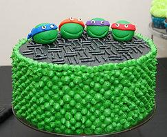 Ну и, конечно же, какой же День Рождения без праздничного торта. Пусть именинный торт будет воплощением мечты именинника, пусть он будет самым вкусным и красивым.