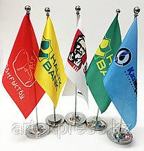 Настольный однорожковый флагшток