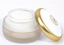 Антивозрастной крем для лица с маслом ши,экстрактом корня женьшеня,и мельчайшими частицами золота.Крем Gold 24