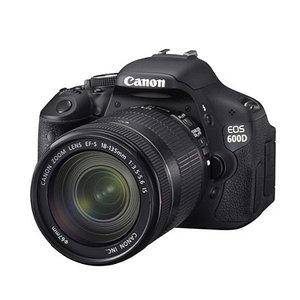 Цифровой зеркальный фотоаппарат Canon EOS-600D EF-S 18-135 IS