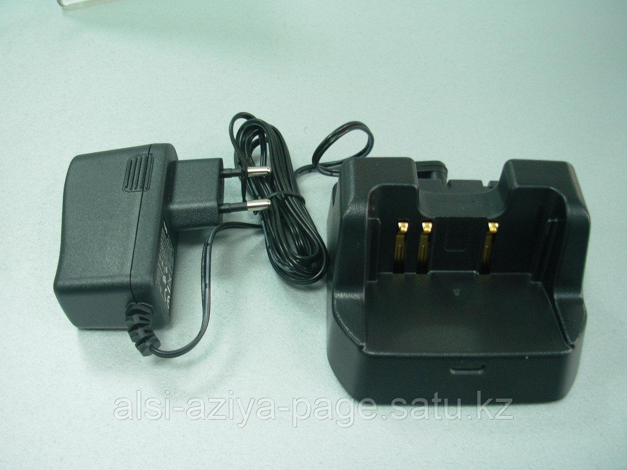 Зарядное устройство Vertex Standard  VAC-20C