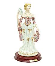 Фарфоровая статуэтка Дама с веером. Ручная работа, Италия