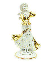 Фарфоровая статуэтка Девушка в шляпке. Ручная работа, Италия