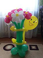 Фигуры из шаров в Павлодаре (Смайлик с букетиком)