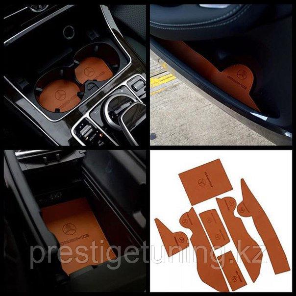 Кожаные коврики в салон для отсеков на Mercedes W212 (с 2012 года)