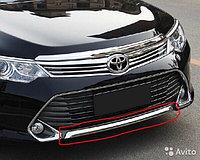 Хром накладка на передний бампер Camry V55 2014-17 (вар.1)