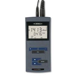 Кондуктометр Cond 3210 — это компактный, быстрый и точный прибор, гарантирующий верный результат. Вместе с ним был поставлен и датчик TETRACON 325/