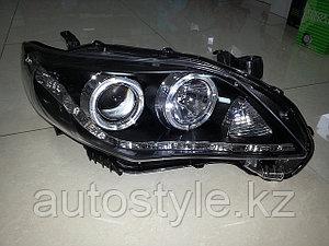 Фары Toyota Corolla 2010-2013 черные с Ходовыми огнями