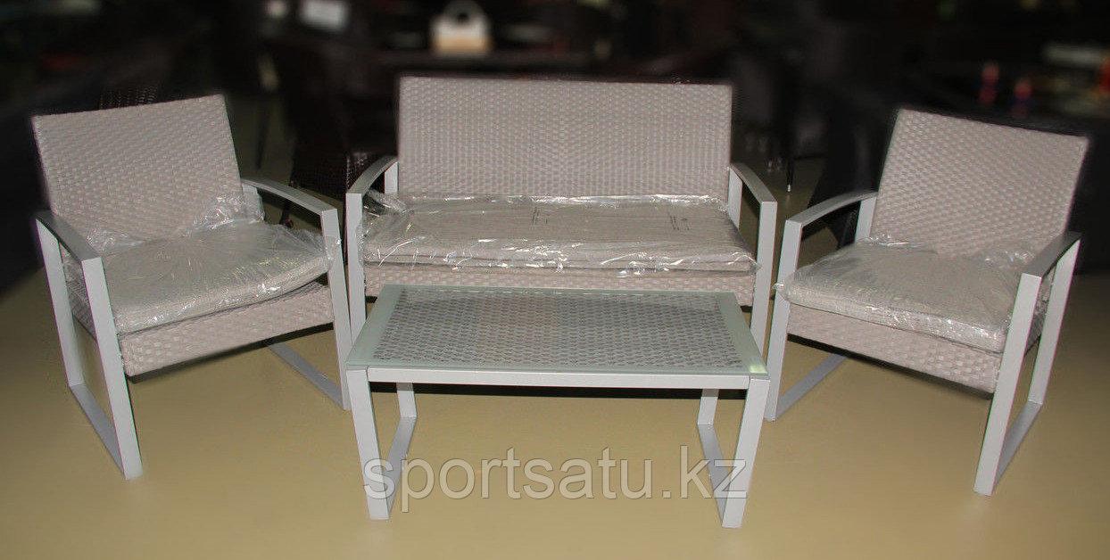 Набор мебели, диван + стол+2кресла (металлический каркас)