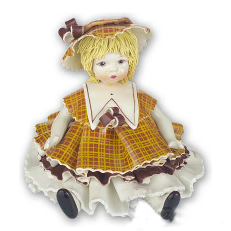 Статуэтка Девочка в оранжевом платье. Италия, керамика, ручная работа