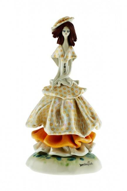 Статуэтка Леди в желтом. Керамика, ручная работа, Италия