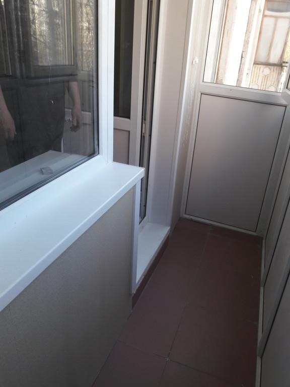 Остекление и обшивка балкона без утепления ул.Петрова 5