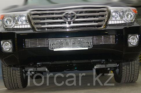 Решётка премиум класса на Toyota LC200 2012 (низ), фото 2