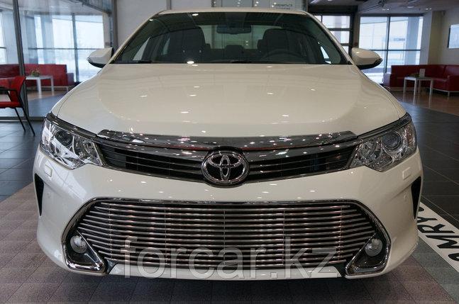 Решётка премиум класса на Toyota Camry 55 (низ), фото 2