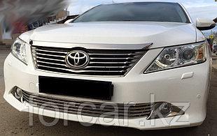Решётка премиум класса на Toyota Camry 50 (низ)