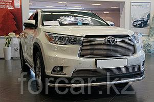 Решётка премиум класса на Toyota Highlander (верх и низ)