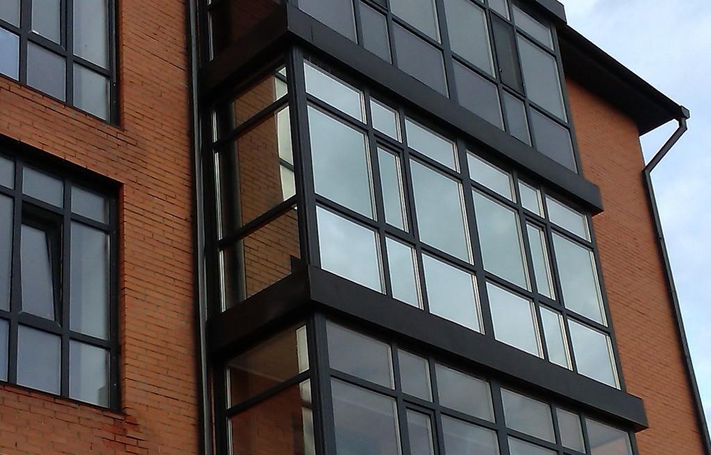 Тонировка балкона зеркальной пленкой