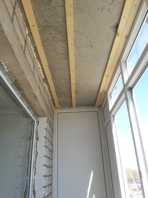 Остекление + обшивка балкона ул. Жумабаева 18 17