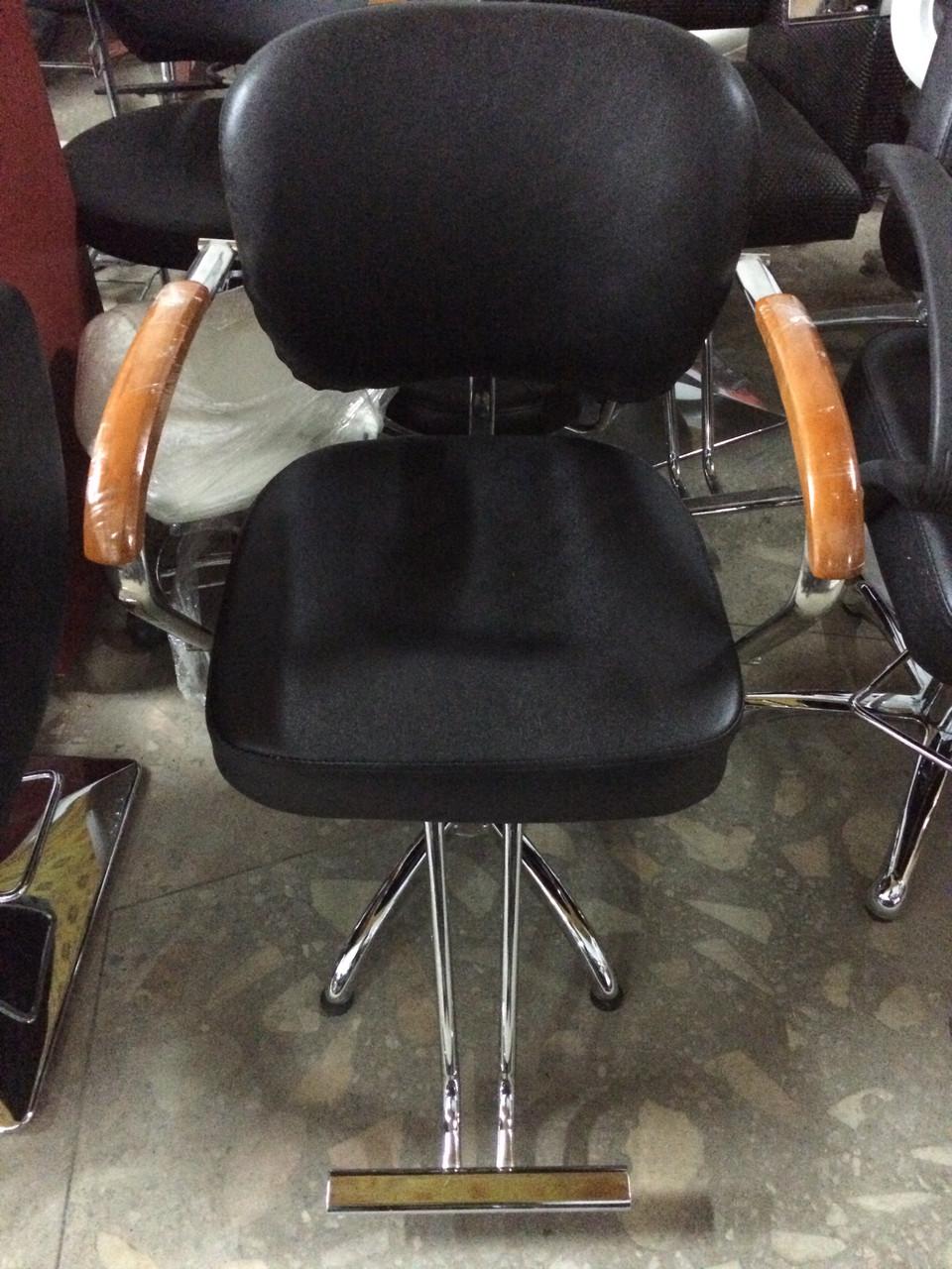 Купить парикмахерское кресло  ZY-104