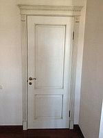 Дверь белая с патиной