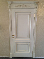 Дверь межкомнатная белая с короной