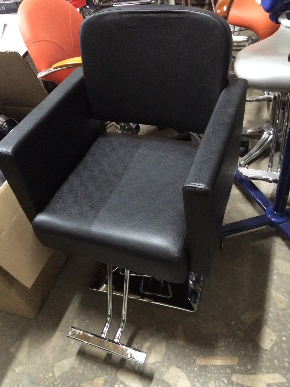 Купить парикмахерское кресло  ZY-90