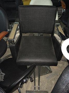 Купить парикмахерское кресло  ZY-84