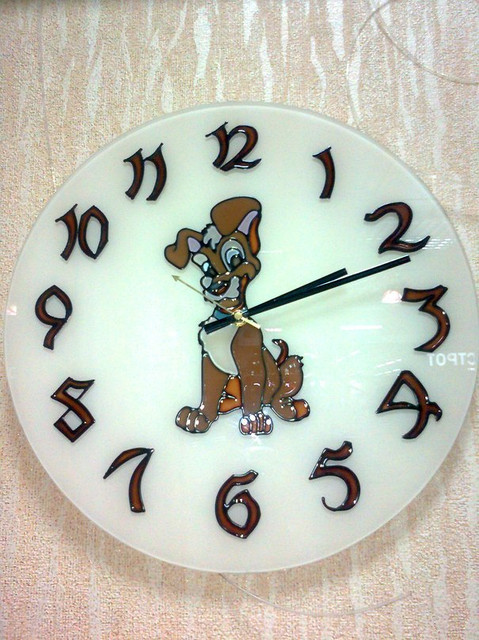 Витражные часы