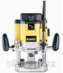 Электрофрезер DeWALT DW625E-QS