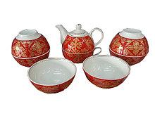 Чайник с шестью пиала с национальным орнаментом