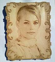 Деревянный магнит на холодильник с портретом 70X50