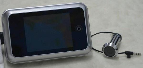 """Внутренний блок видеоглазка """"SITITEK Eye"""" оснащен дисплеем 3,5 дюйма и управляется всего одной кнопкой"""