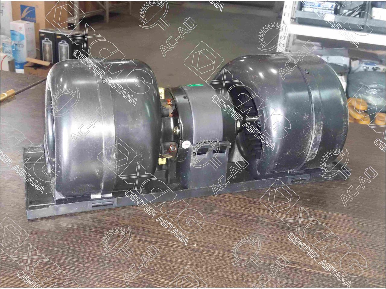 Моторчик печки AZ1608840010-27 HOWO