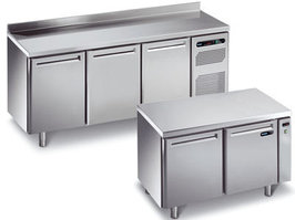Холодильные и морозильные столы различной конфигурации AFINOX
