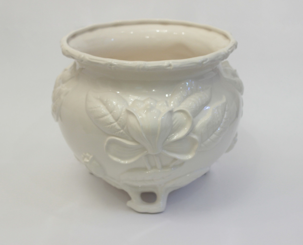 Кашпо белое из керамики. Италия, ручная работа