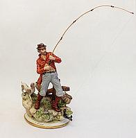Фарфоровая статуэтка Рыбак. Италия, ручная работа