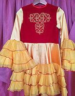 Платье в национальном стиле с головным убором