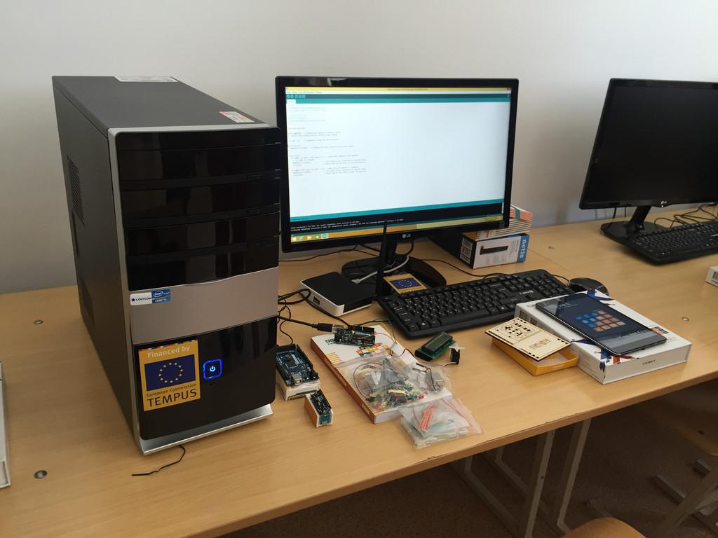 Оборудована лаборатория прикладной робототехники на базе Arduino в КазНУ им. Альфараби и ПГУ им. Торайгырова