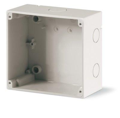 Коробка накладная с метрическими вводами 136х125