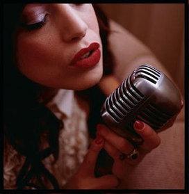 Микрофон Винтажный классический профессиональный  (проводной)