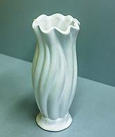 Декоративная настольная ваза (керамика, белая), 20см