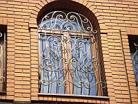 Решетки кованые на окна и двери. Перила,ворота Алма Ата