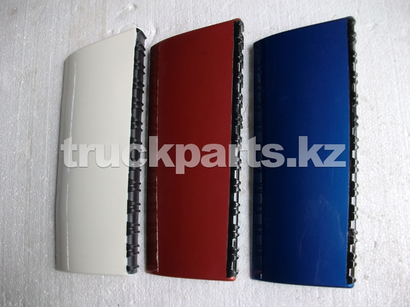 Накладка подножки кабины левая белая Фотон (FOTON) 1B20084500006
