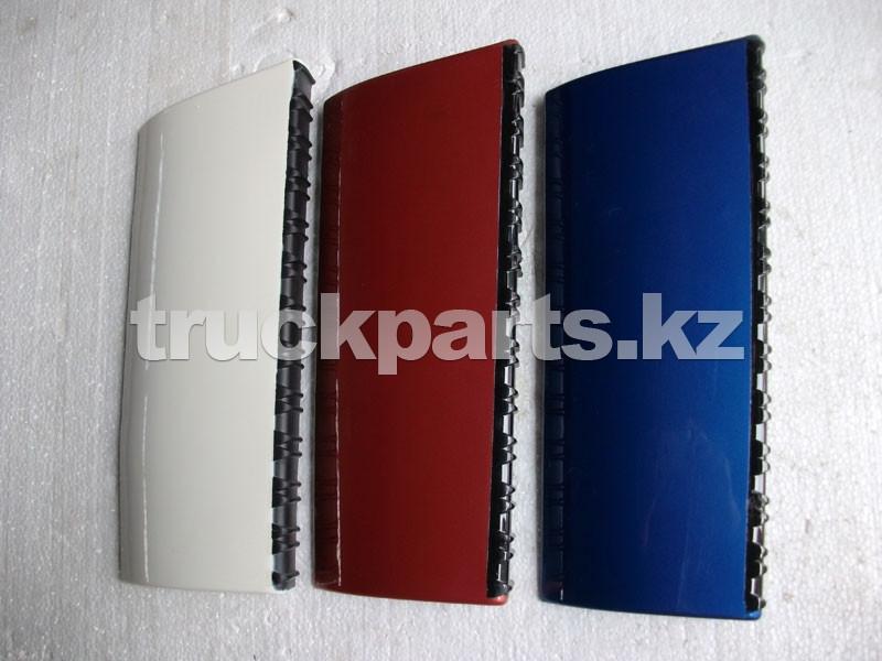 Накладка подножки кабины левая красная Фотон (FOTON) 1B20084500006