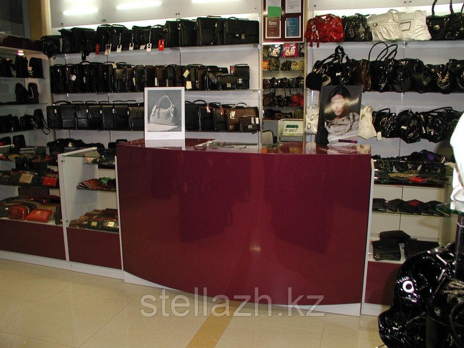 Торговое оборудование для магазинов сумок и аксессуаров
